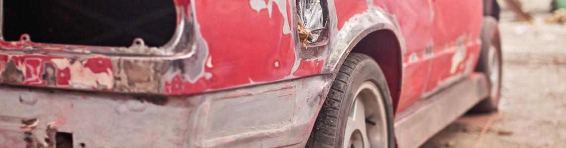 Repair of the old red car